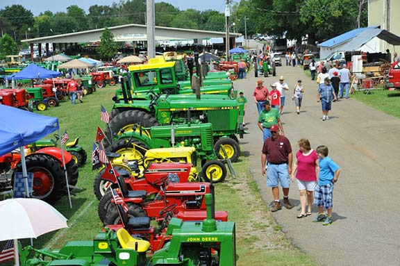 Crossroads of Dixie Antique Tractor and Engine Show - Lawrenceburg, Tennessee