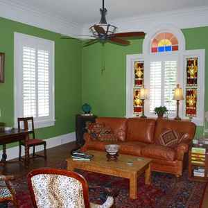 The Gentleman's Parlor at Isabella Bed and Breakfast