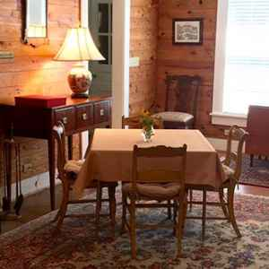 The Den at Bodock B&B - Pontotoc, MS near Tupelo and Tanglefoot Trail