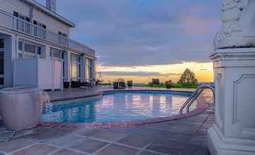 In-ground Swimming Pool - Natchez Bed and Breakfast