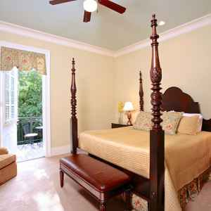 Bedroom with a King Size Bed