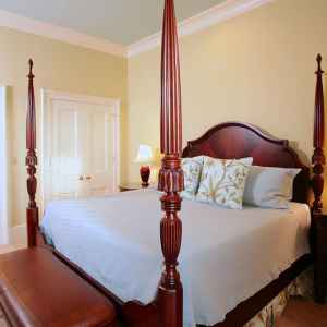 Four Poster King Size Bed